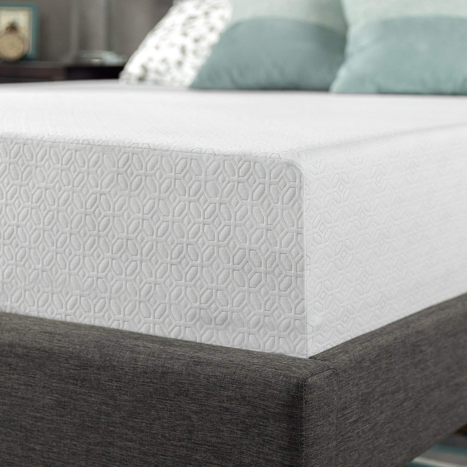 Zinus Gel-Infused Green Tea Memory Foam Mattress features