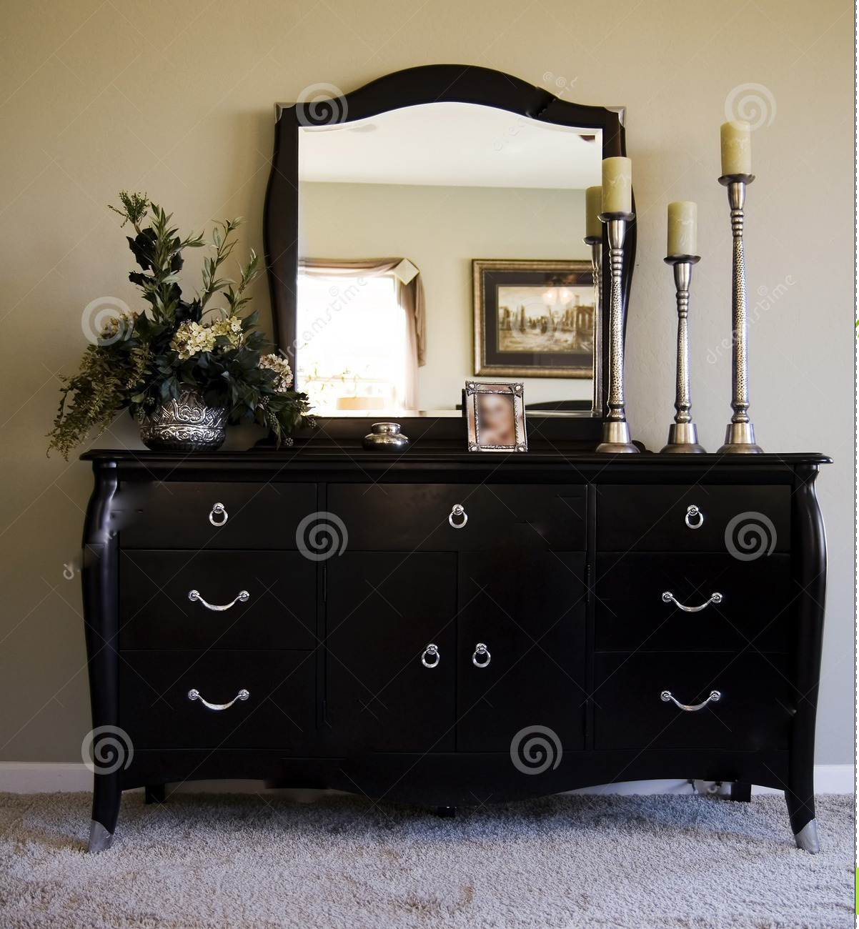 bedroom chest of drawers with mirror