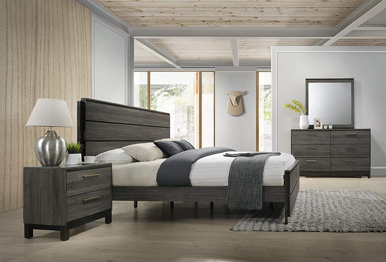 Antique Grey Finish 6 Piece Bedroom Set Review by Roundhill Furniture
